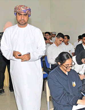 Al Shoumokh International School holds lecture on ethics, manners